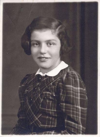 Hannelore Wolf im Januar 1938