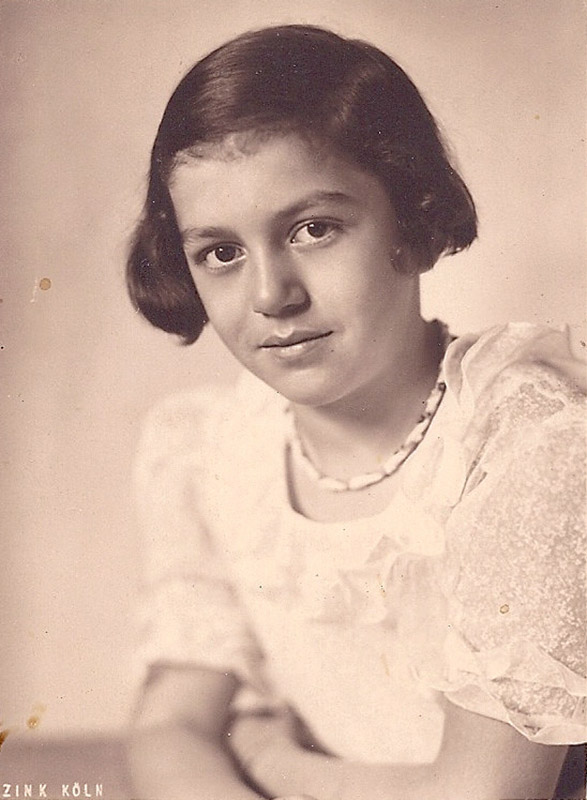Hannelore Wolf, ca. 1937