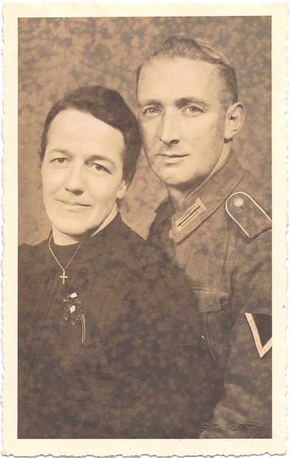 Das zweite treue Dienstmädchen der Familie Wolf, Ida mit ihrem Mann Pankraz Löble