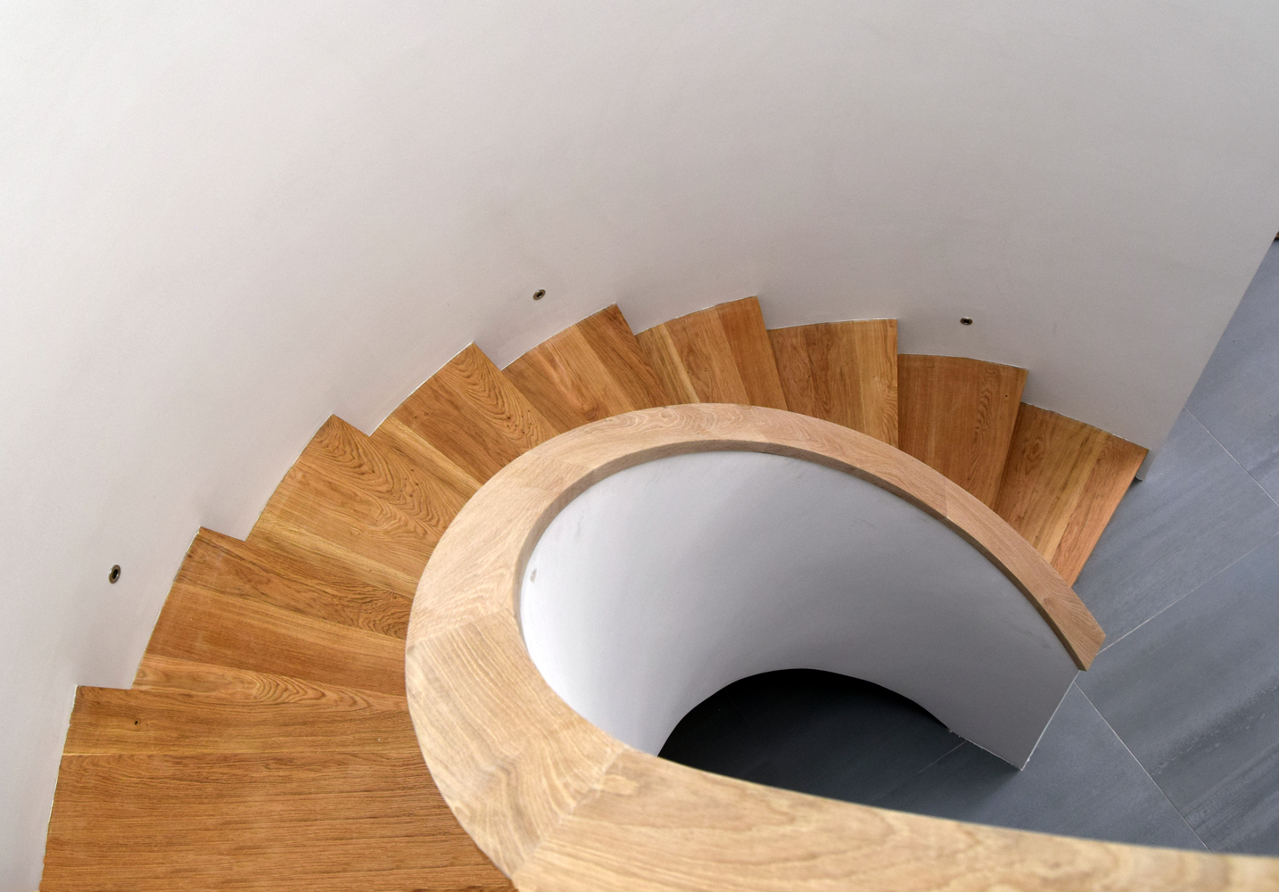spiral-stairs-top