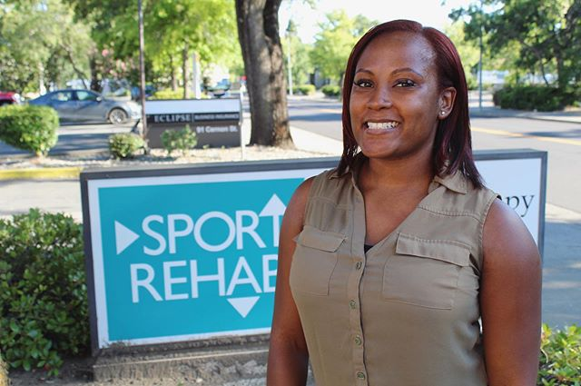 Ashley is back🙌! Ashley is originally from Florida ⛱ and was part of the USAF 🚀!Maybe you recognize her when she did her clinical👩⚕️! You can catch her singing along to the radio 📻 in the clinic on Mondays and Wednesdays! 👏 #physicaltherapy #dpt