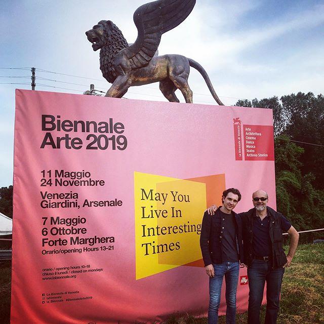 😎With my producer (and father) @waltervivaldi 🎷  @labiennale #biennaledivenezia @tommasovivaldi #biennalearte2019 #arteficidelnostrotempo #musicians #music #saxophone #contest #biennale2019 #musicartist #videoclipmusical #filmakinglife #artandmusic