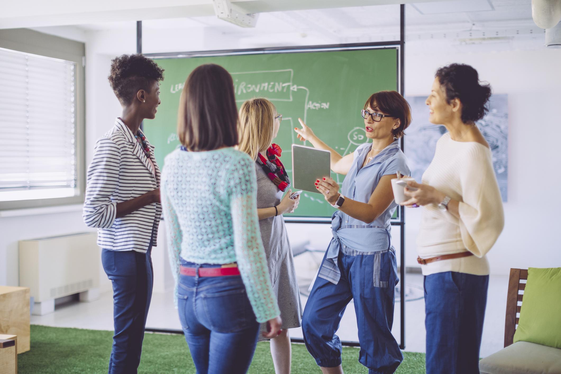 teachers-working-together.jpg