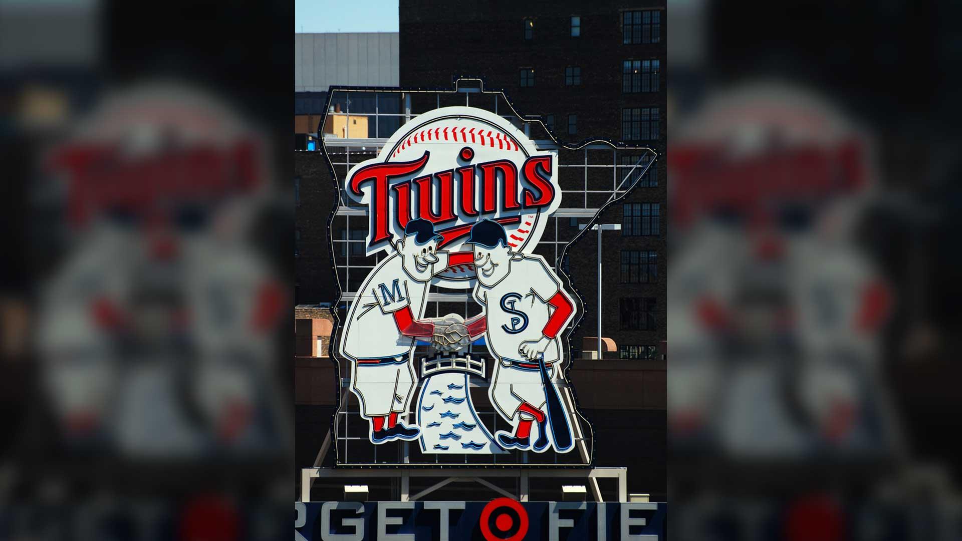 MLB--Twins-Petition-MLB-to-Add-5th-Base.jpg