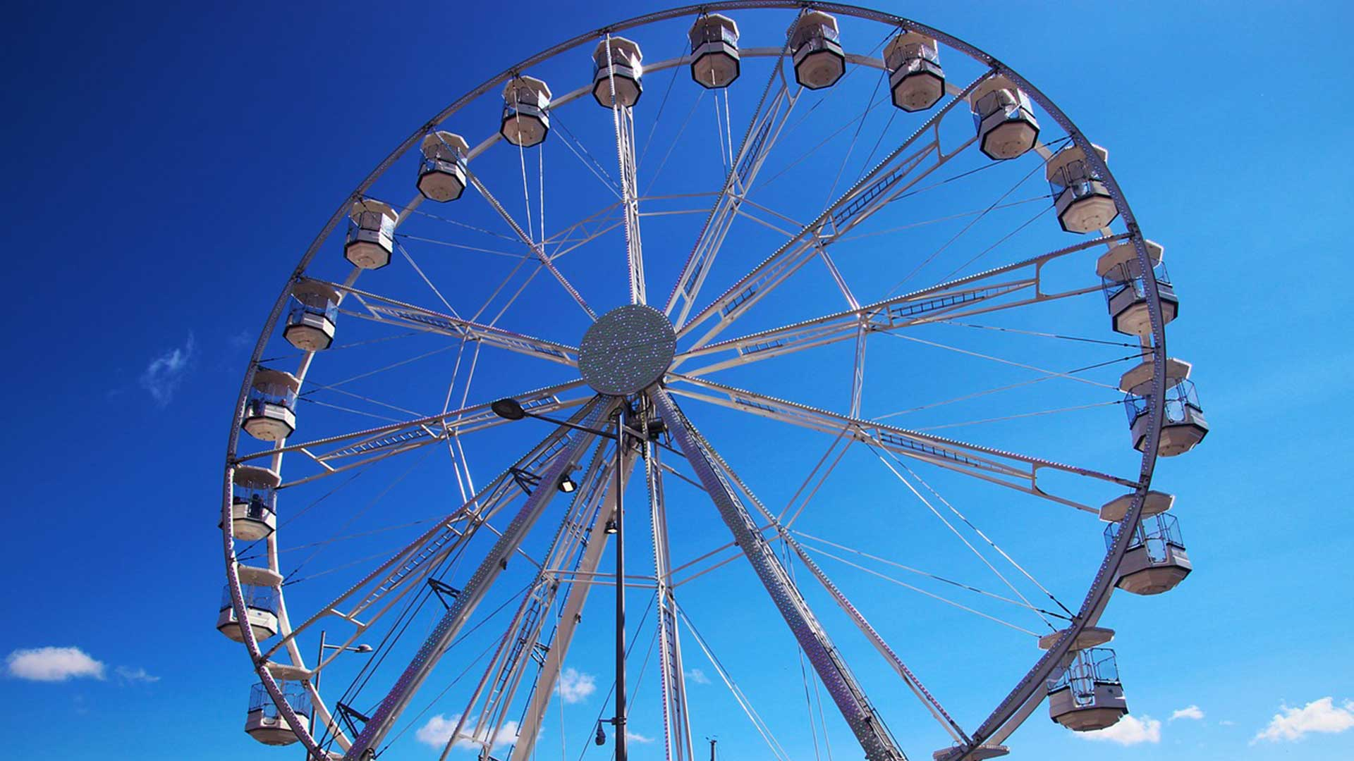 Embarrassed-NCAA-Official-Returns-To-Minneapolis-To-Grab-Forgotten-Ferris-Wheel.jpg