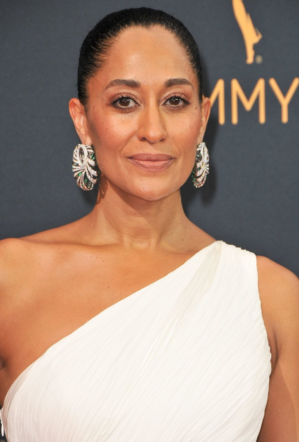 tracee-ellis-ross-at-68th-annual-primetime-emmy-awards-in-los-angeles-09-18-2016_3.jpg