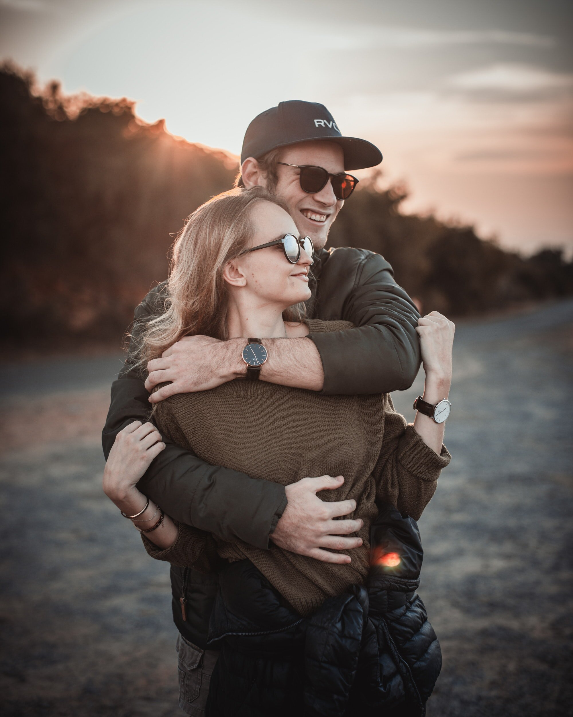 affection-blur-couple-2590706.jpg