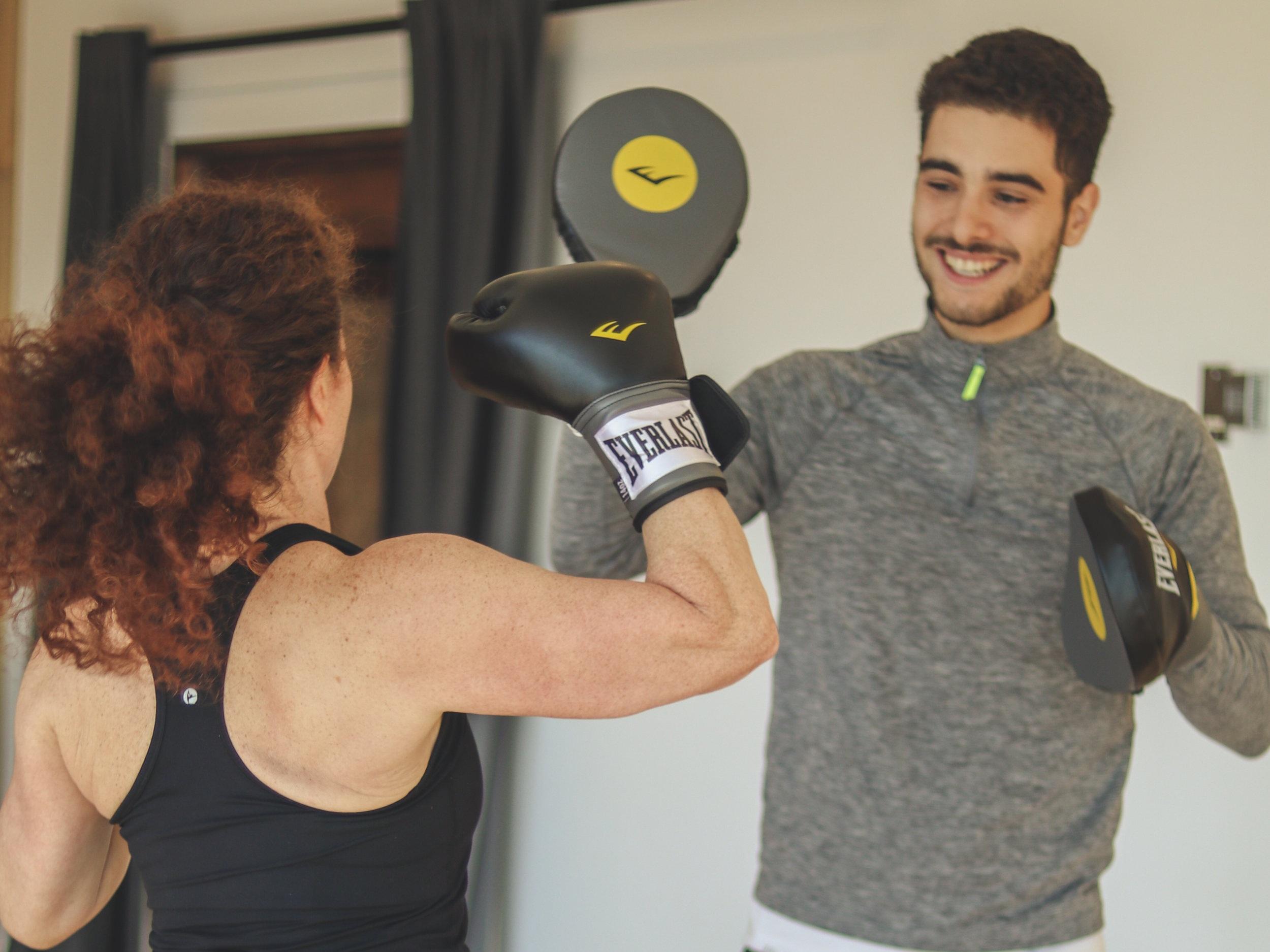 MMA BOXE - Les arts martiaux mixes travaillerons votre équilibre, votre flexibilité, votre cardio ainsi que votre force physique. Prenez une initiative vers une nouvelle discipline.