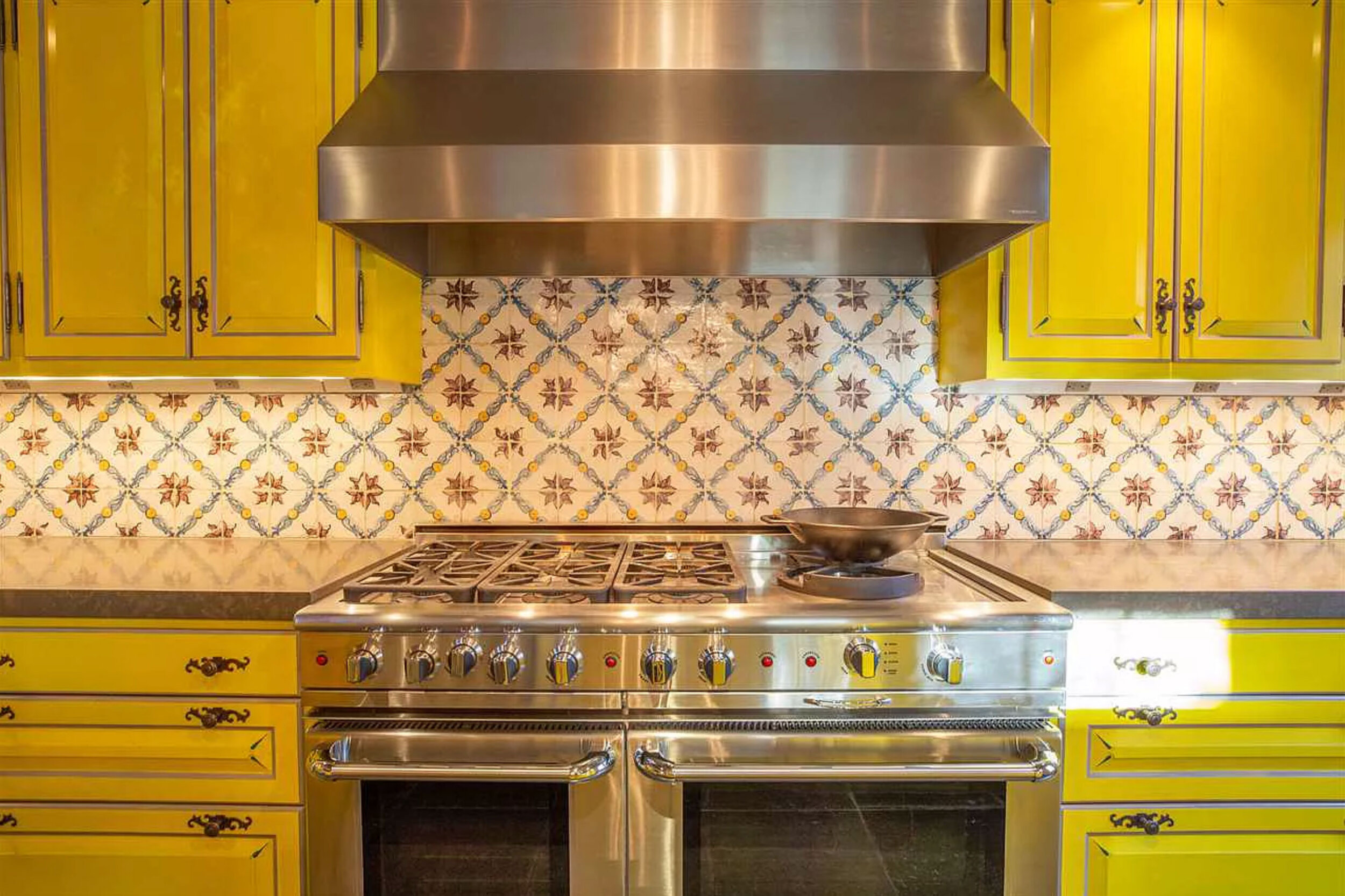 Portsmouth-Yellow-Kitchen-Backsplash.jpg