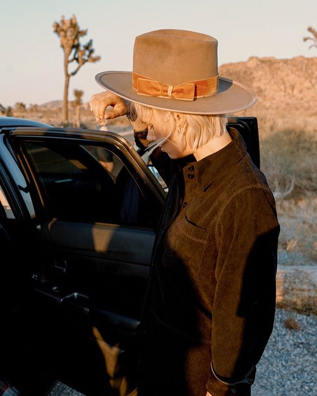 I like this photo because it's not trying to be anything outstanding. It's a photo of @madelinesideras trying to find something in the car on our excursion to Joshua Tree. It's just a moment that I happened to take a photo of. (Kinda looks cool too) that's it.  Hat by @alexanderwestwood