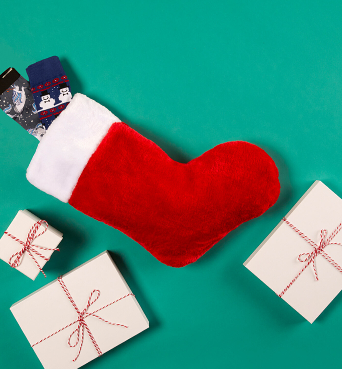 Stocking Stuffers - Stockings are one of the best parts of the Holidays. They're chock-full of tiny gifts that bring a smile to everyone's face. We have an idea for the best stocking stuffer of all time: Buddy Bands™. The dog-lover in your life will cry tears of joy, and you'll have plenty of cute content for Instagram.