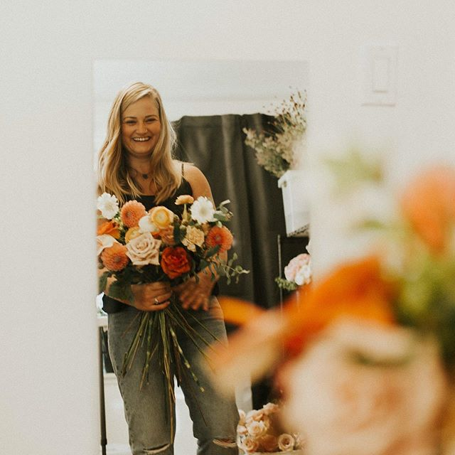"Today is a true Friday! All you Florists know that our Fridays are hardly ever truly used for ""fun"". Fridays are for wedding work and even though it's fun, it's not the most restful 😅. I'm headed to Columbus, Ohio to see family and then to Nashville for the @floral_gathering. So grateful for opportunities like this one! I will be sporadically ""out of the office"" this week. 🤘🏼"