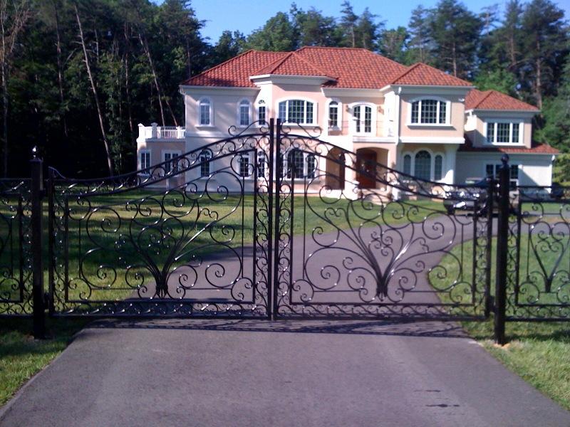 Double gate (decorative) 75.JPG