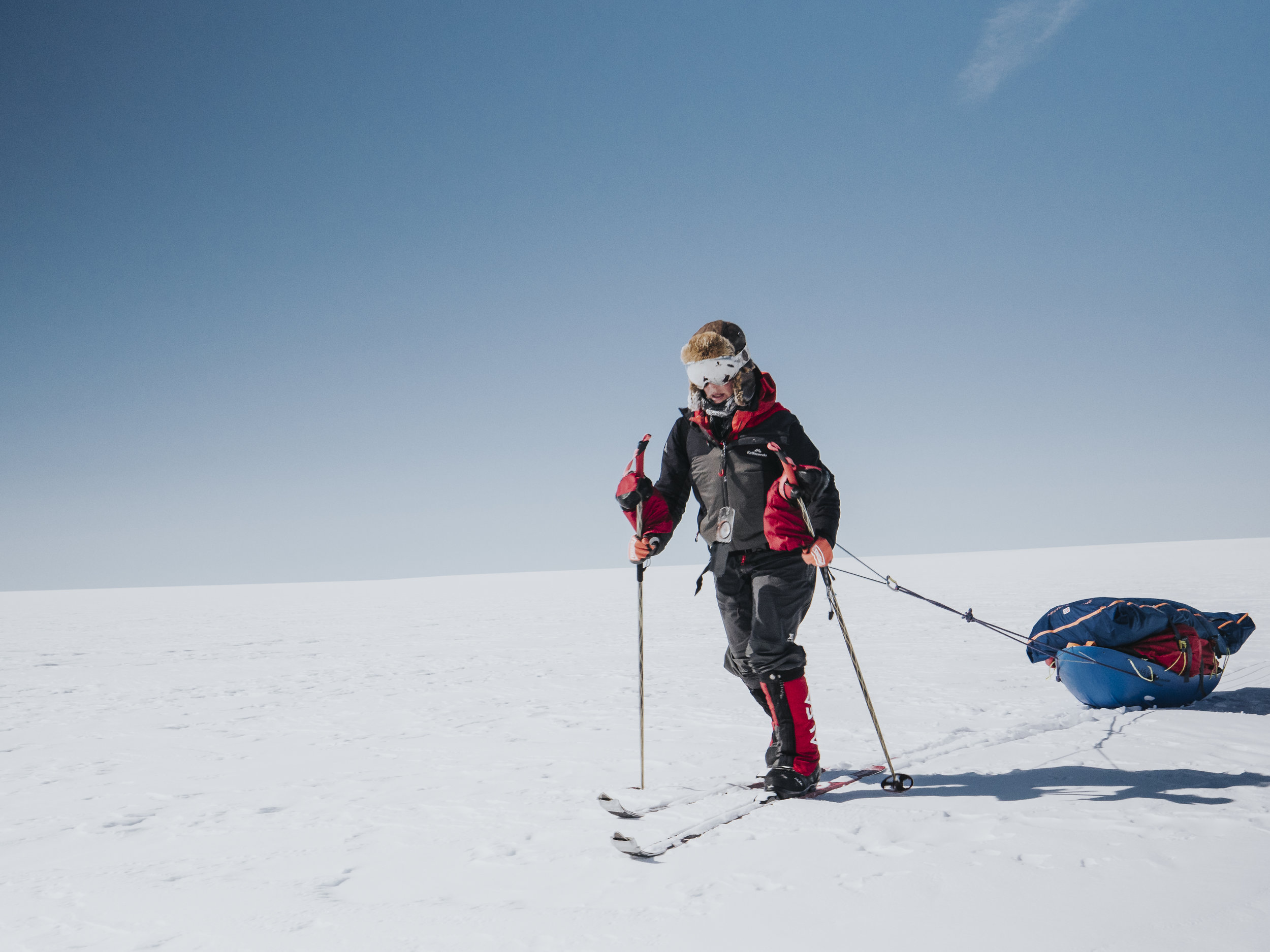 Hollie Woodhouse crossing the Greenland Ice Cap Photo: Keith Parsons