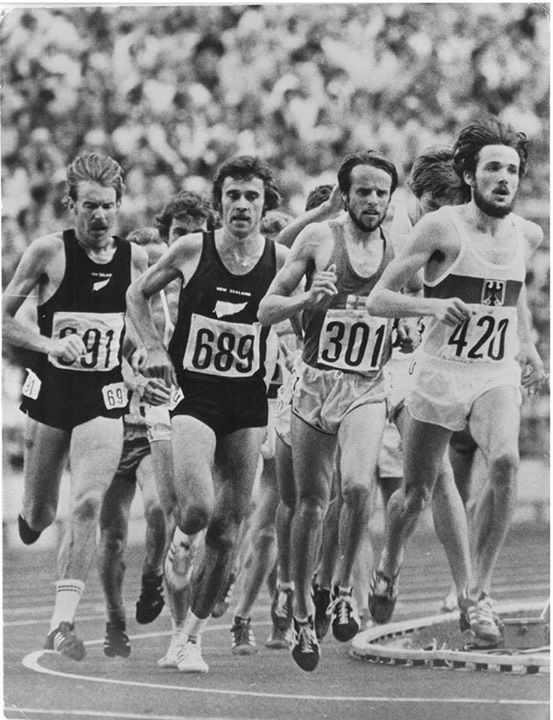 Rod Dixon (689) proudly wearing the Silver Fern alongside his great mate Dick Quax at the 1976 Olympic 5000m final.