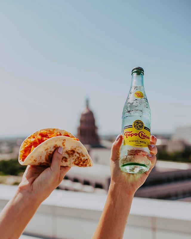 @southbitesatx is officially open!! So glad to have been a part of making these photos happen, and working with brands like these are the best kinds of days- but seriously, if you live in Austin and want to be 120% more Austin, grab a @topochicousa and a taco, + a seat with a view of the capitol. 👋🏼📸🌮