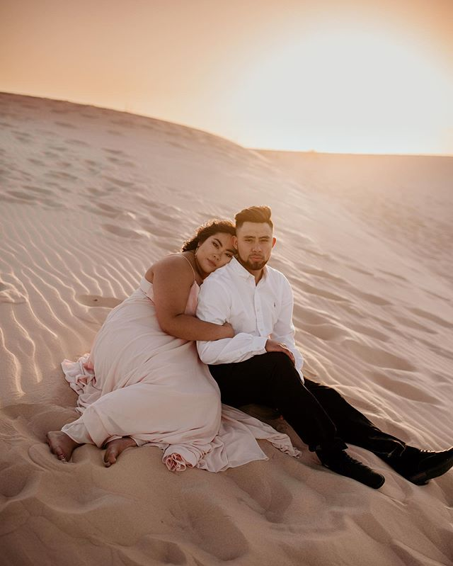 HOLY COW. These two REALLY made some magic yesterday at the dunes😍 Normally as a photographer, you can get tired of editing every once in a while, but I want MORE to edit from this session even though 240+ images were delivered to these two😂📸