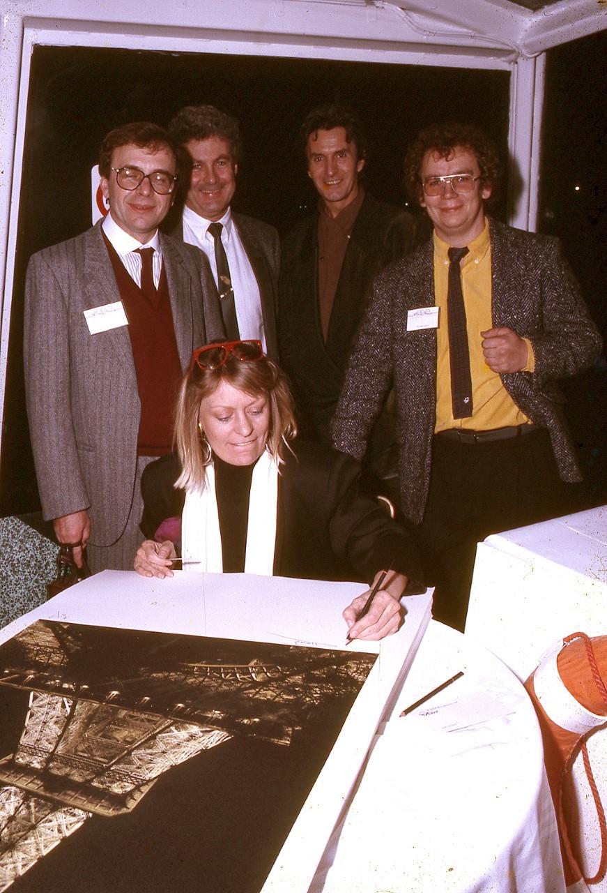 Signature of the Tour Eiffel prints (Paris 1989)