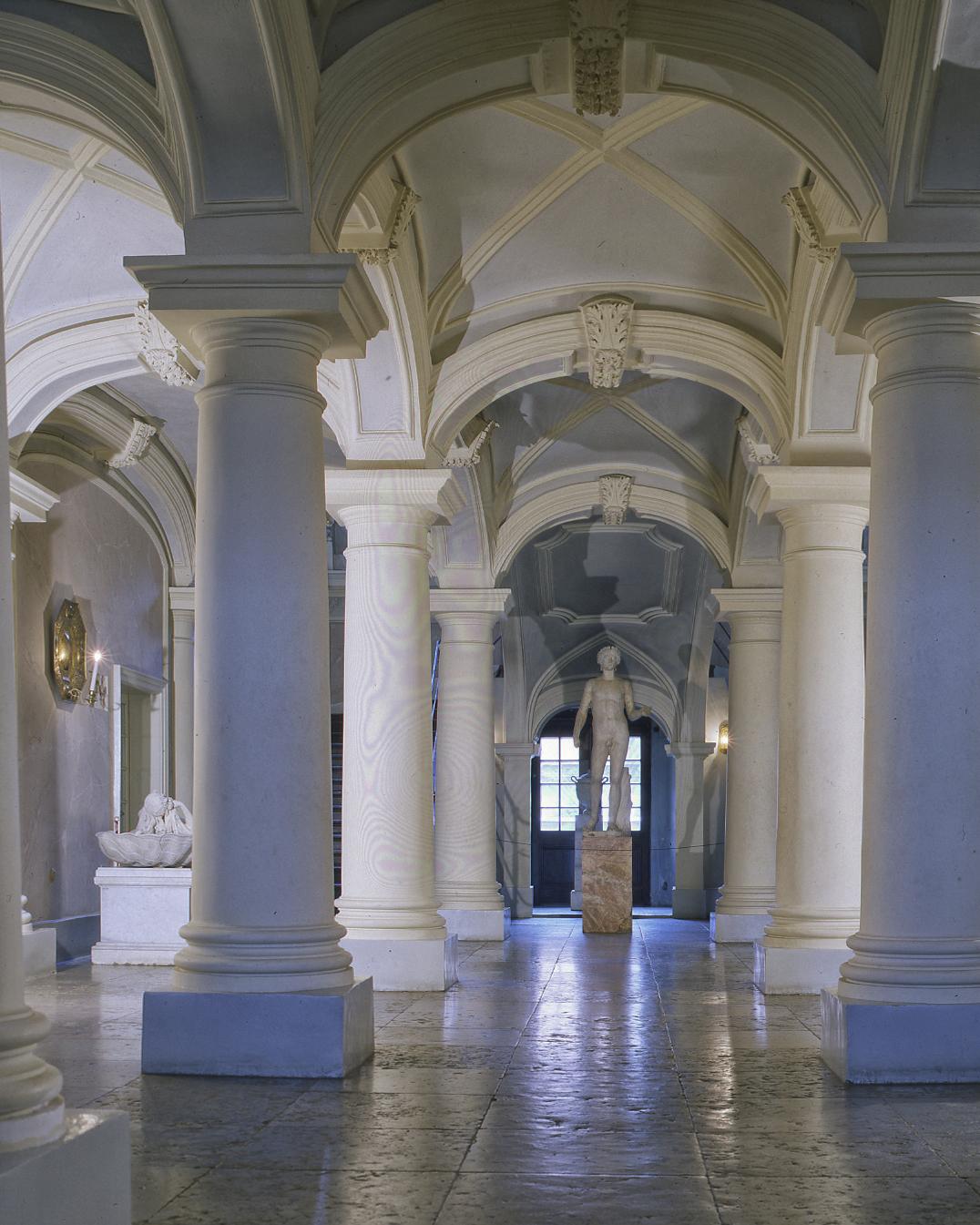 Entrée du Palais Menshikov - Saint-Pétersbourg 2008