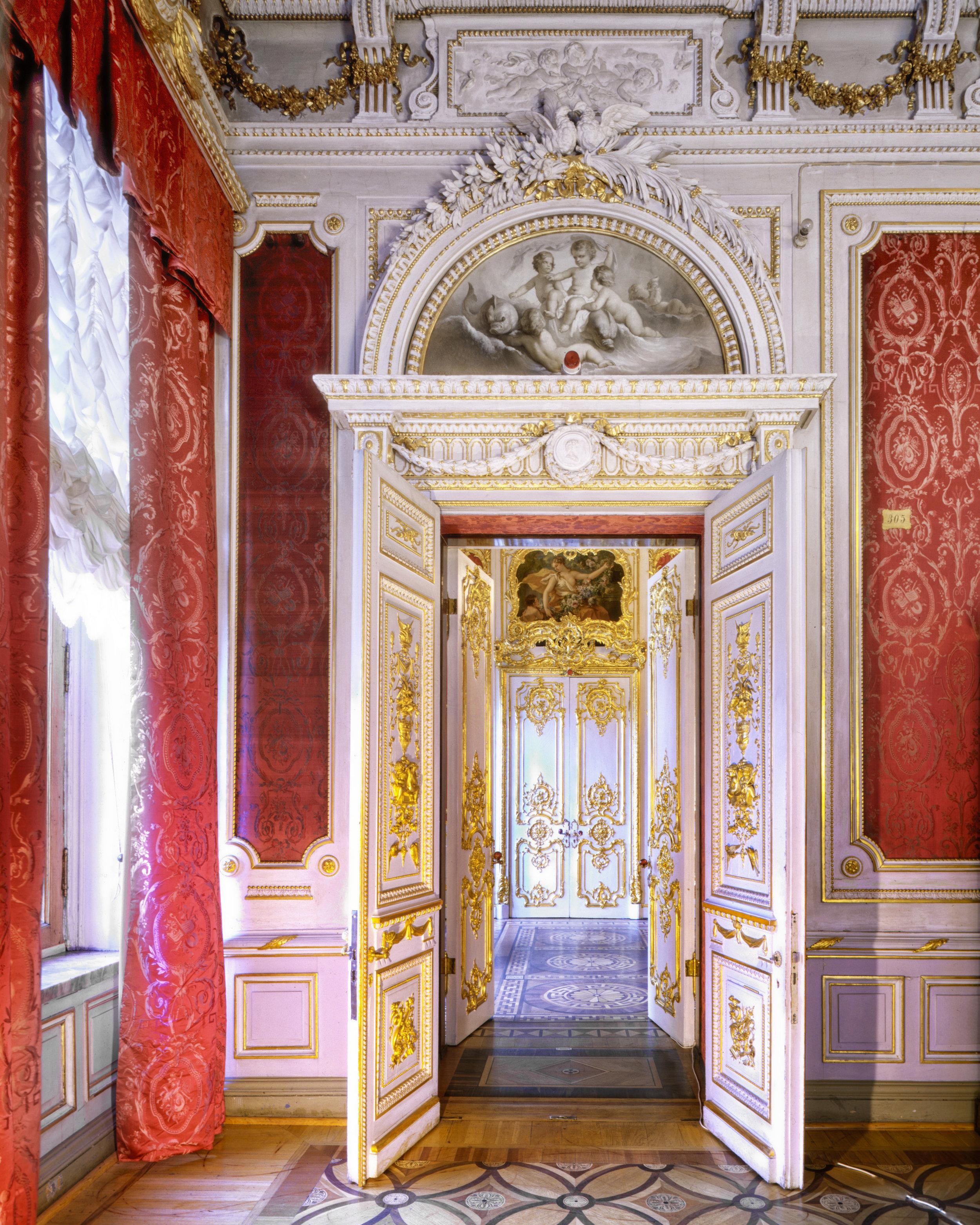 Boudoir Cramoisi, Catherine Palace - Tsarskoïé Selo (Pouchkine), Russia (1995)