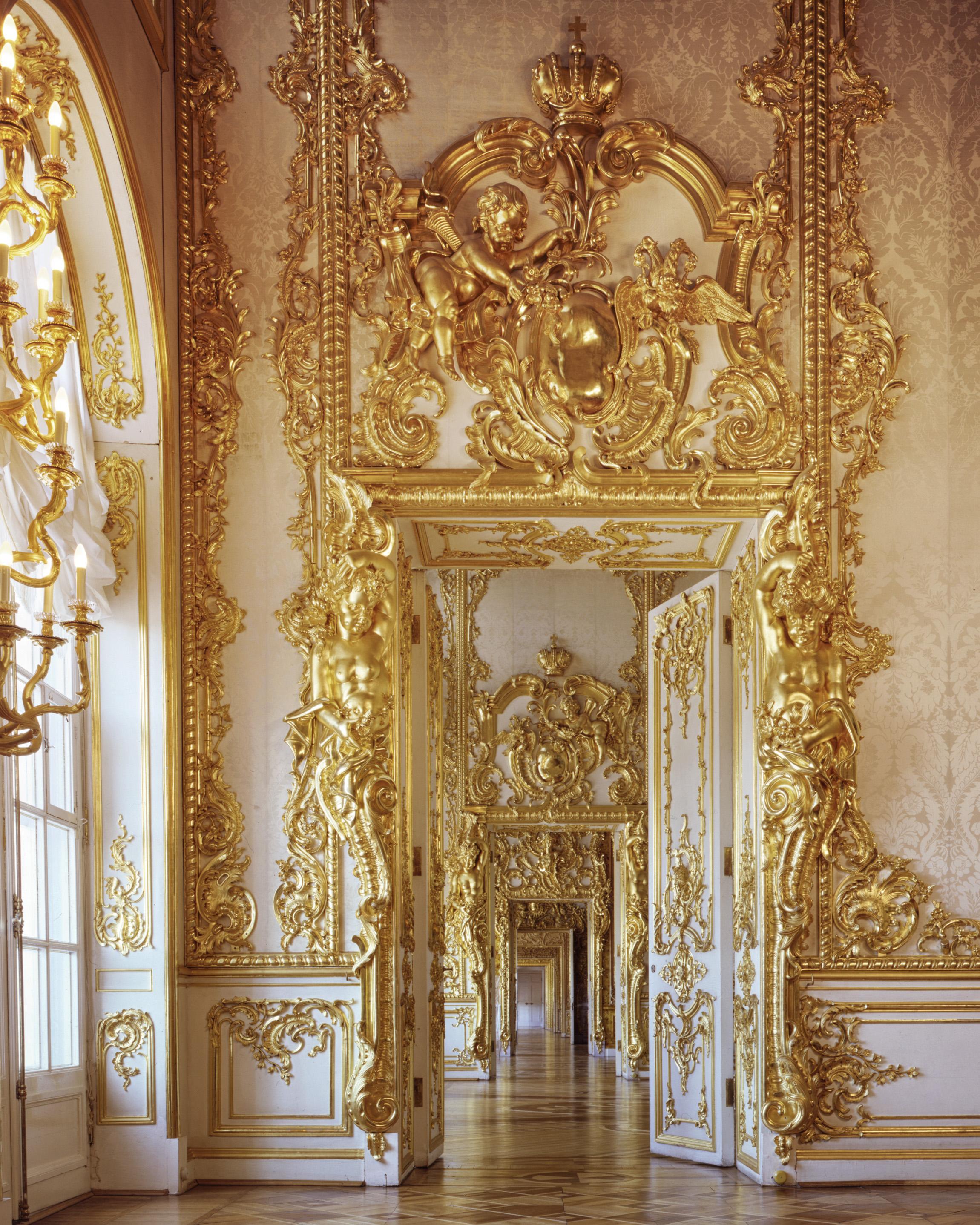 Adjoining salons ofthe Empress Elizabeth 1st, Catherine Palace - Tsarskoïé Selo (Pouchkine), Russia (1995)