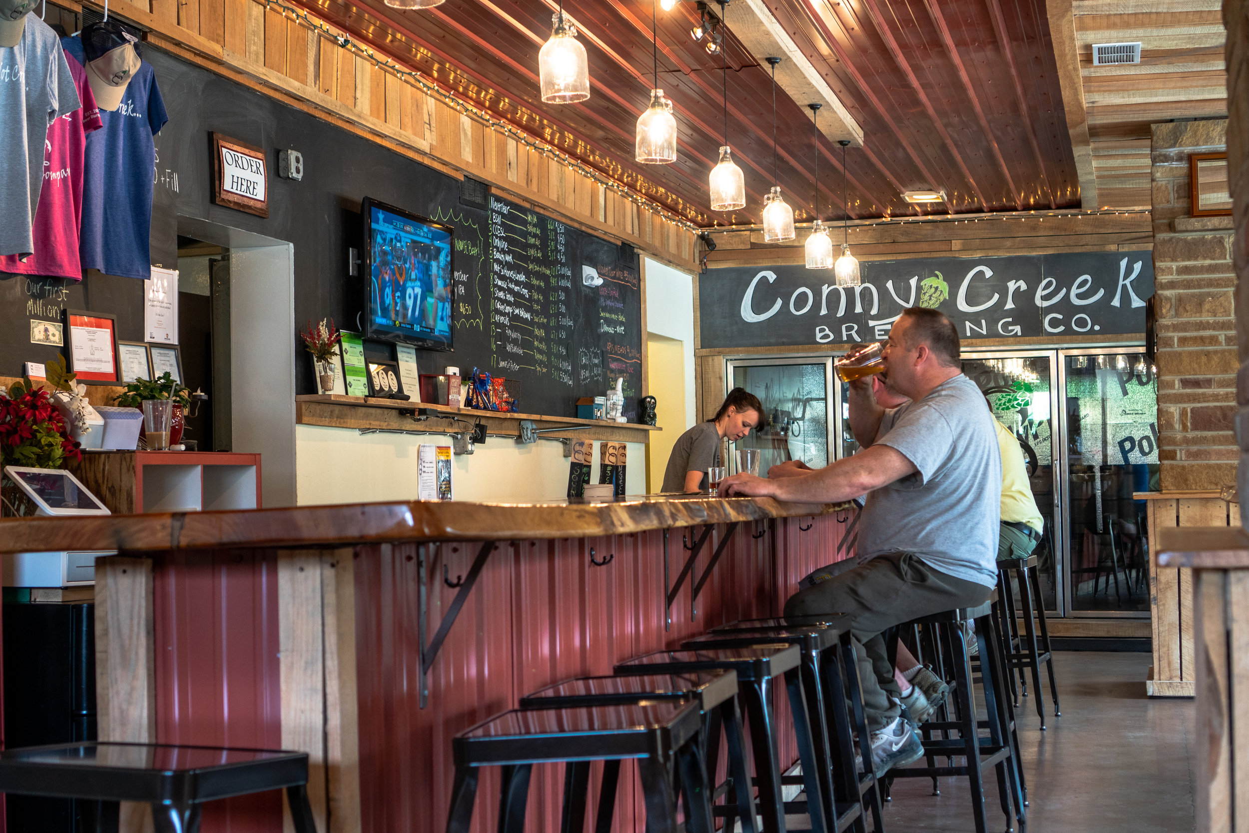 ConnyCreekBrewing_Bar