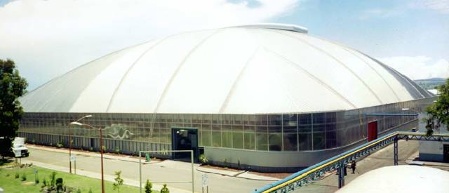 The Rassini Freedome is a 112m square-plan dome covering an auto-parts factory.