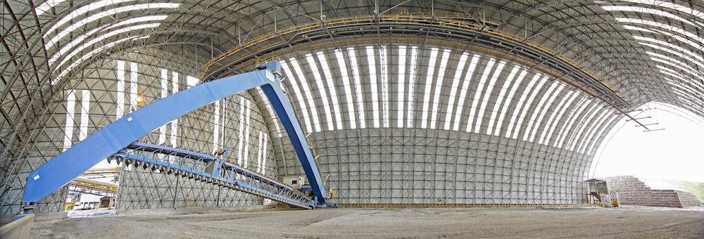El Brocal: vista interior de la estructura longitudinal para almacenamiento de mineral.