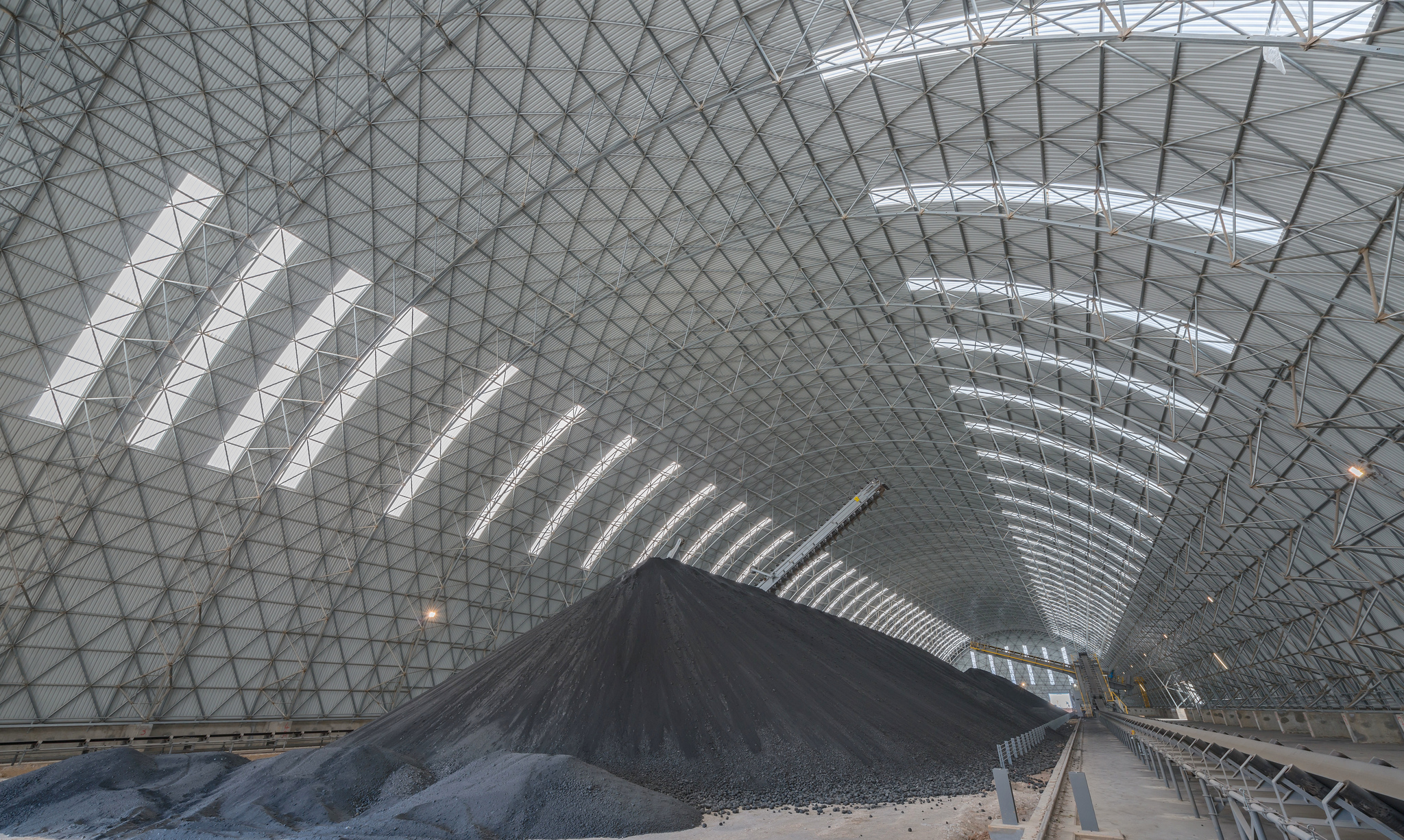 Interior of longitudinal dome for coal storage (Tunisia)