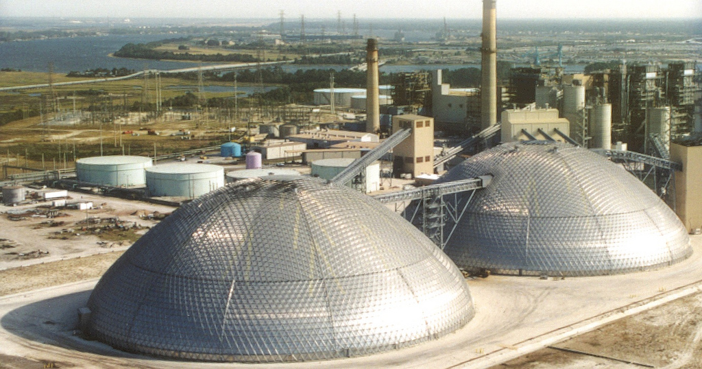 Two 122m storage domes at JEA in Jacksonville, Florida (USA) accommodate petroleum coke stockpiles. Both are internally clad to reduce the threat of combustibility.
