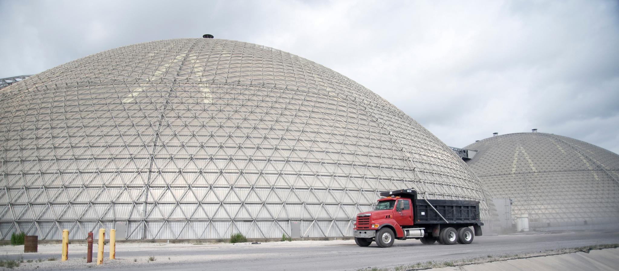 Jacksonville Electric Authority dos domos de 122m para almacenamiento de coque.