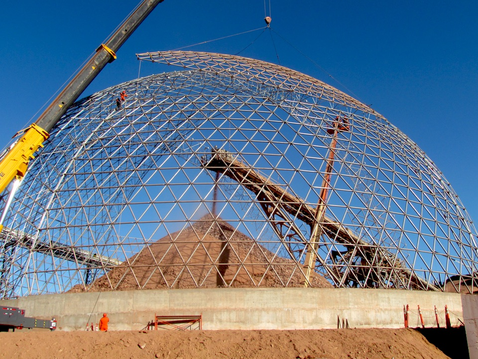 Each section forms the dome toward the pile in operation.