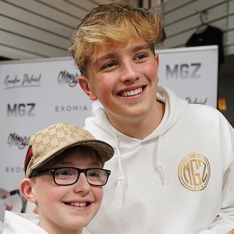 <strong>Morgz</strong><p>View full profile »</p>