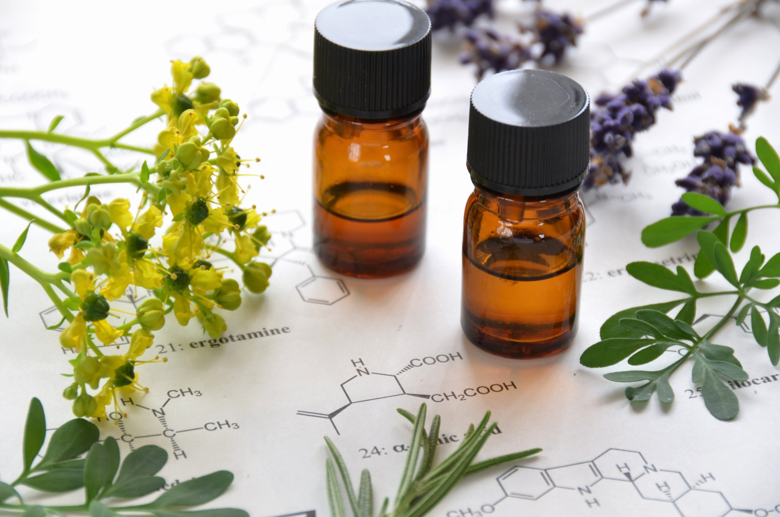 Essential Oils - You see them everywhere, on Instagram, Amazon, at Whole Foods, even Home Goods! They are so popular. Does it matter what you use?