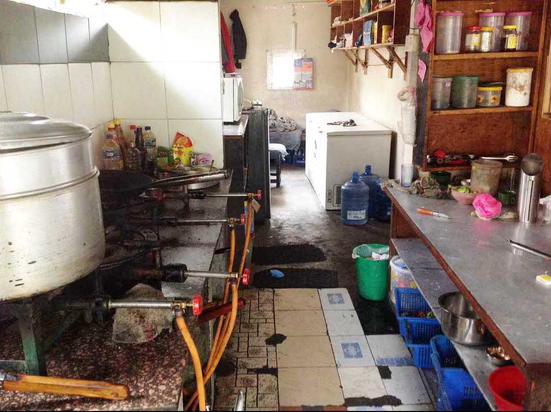 Kitchen original.jpg