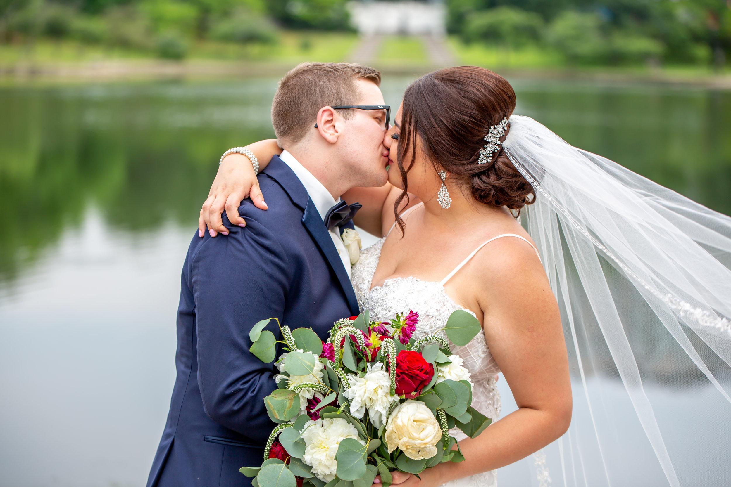 Hannah Cessna Photography - Wedding Photographer Akron Cleveland Ohio wedding photo