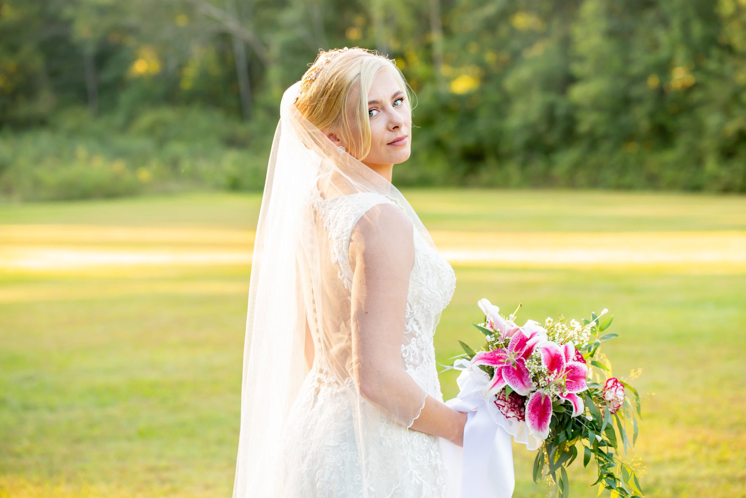 Hannah Cessna Photography - Wedding Photographer Akron Cleveland Ohio wedding photo Happy Days Lodge