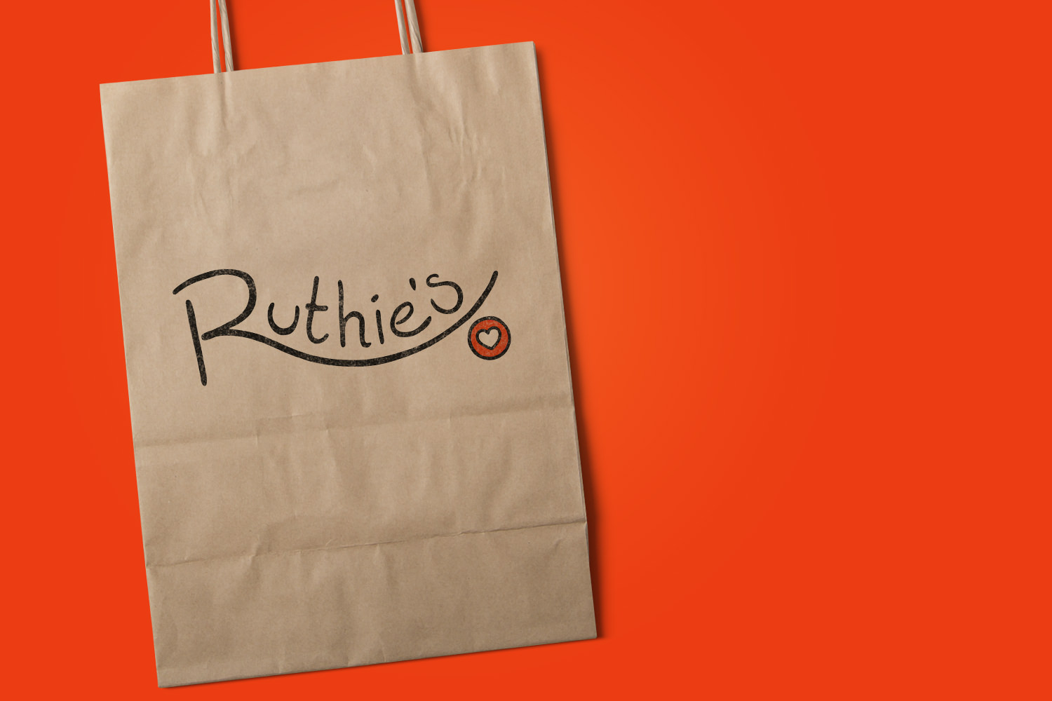 RUTHIE'S RAWNOLA<strong>Branding & Packaging</strong>