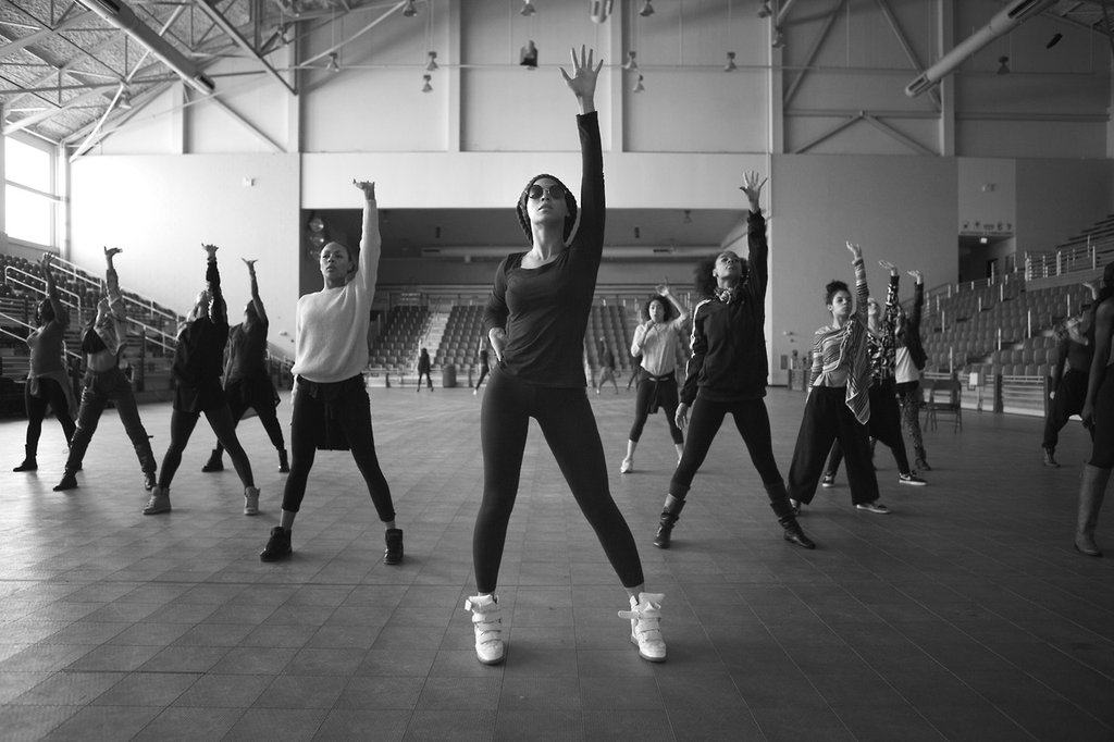 Beyoncé-led-group-dancers-during-rehearsal-New-Orleans.jpeg