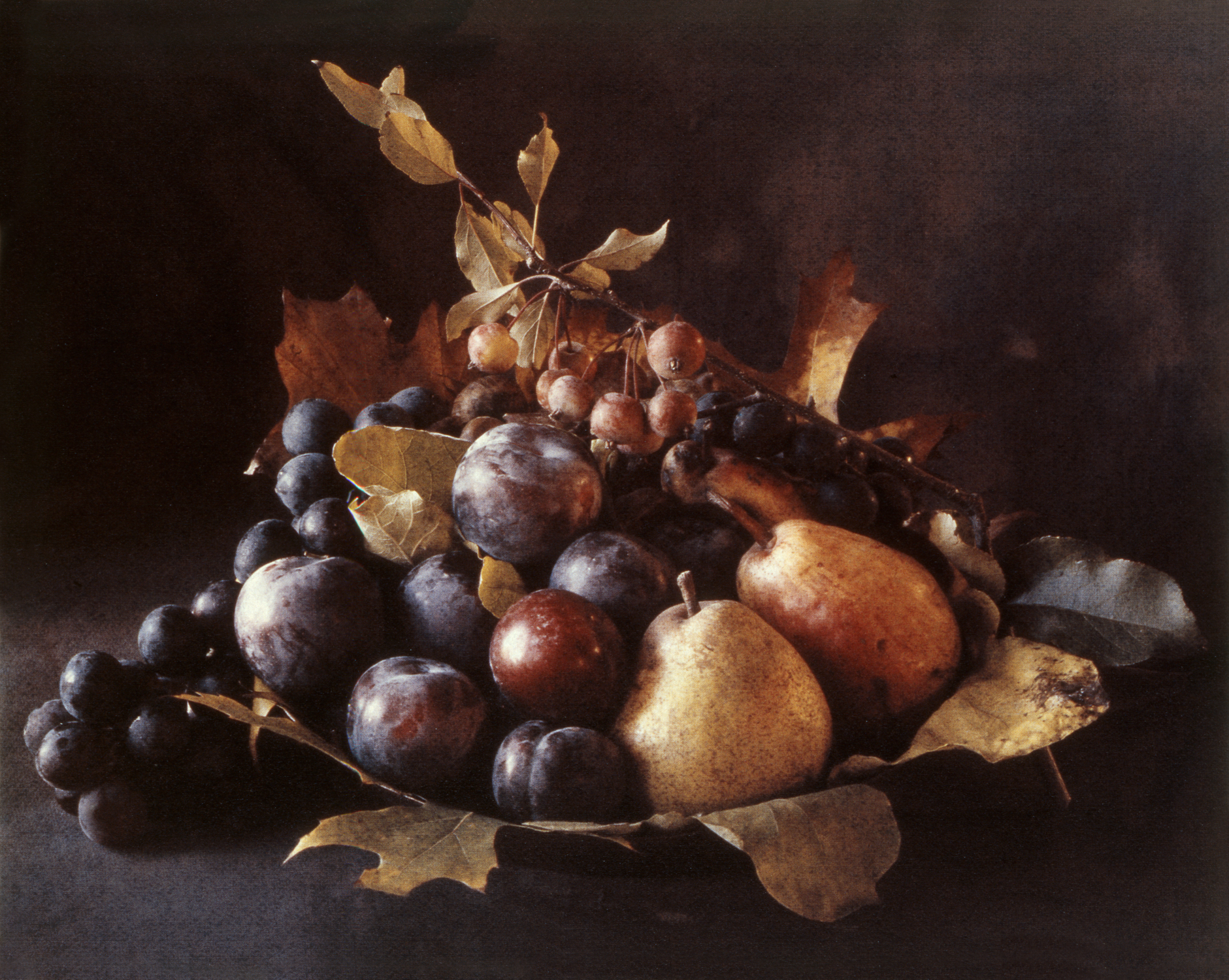 Cy DeCosse -  Tuscan Centerpiece