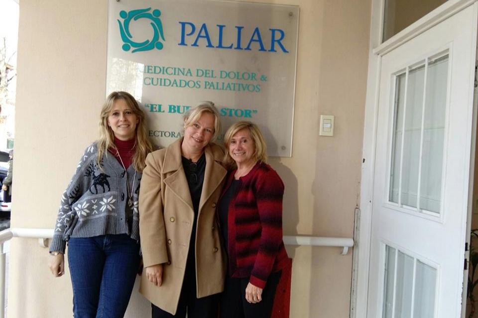 Argentina:Paliar - Medicina del dolor y Cuidados PaliativosBuenos Aires/ El equipo de internación domiciliaria y en nuestra casa de Cuidados Paliativos (hospice) ofrecemos confort, compasión y dignidad para aquellas personas que tienen enfermedades que amenazan la vida.Paliar Argentina website