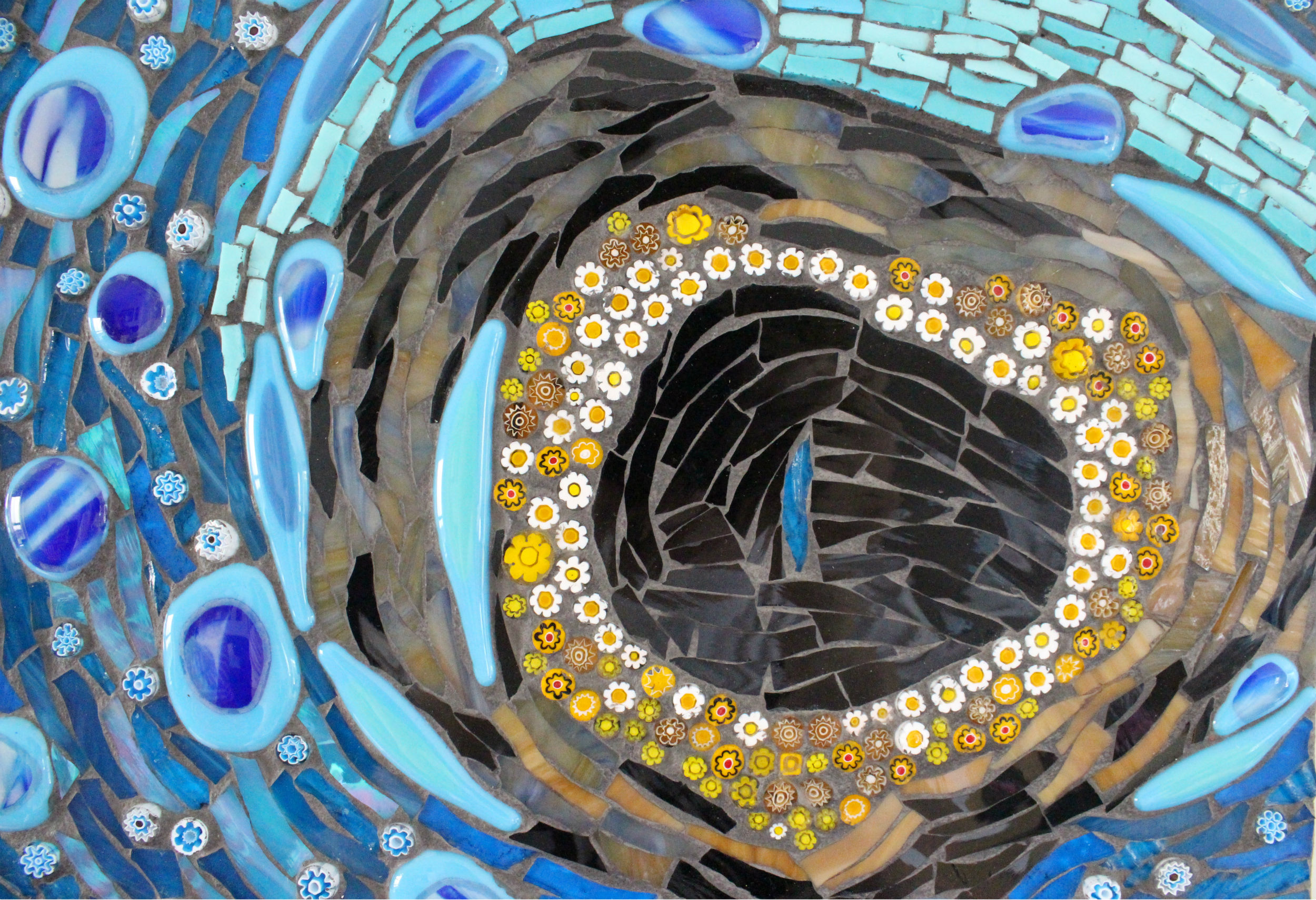 Eye of the Blue Devil Fish (Millefiori, Stained Glass, Glass Fusions, Smalti)