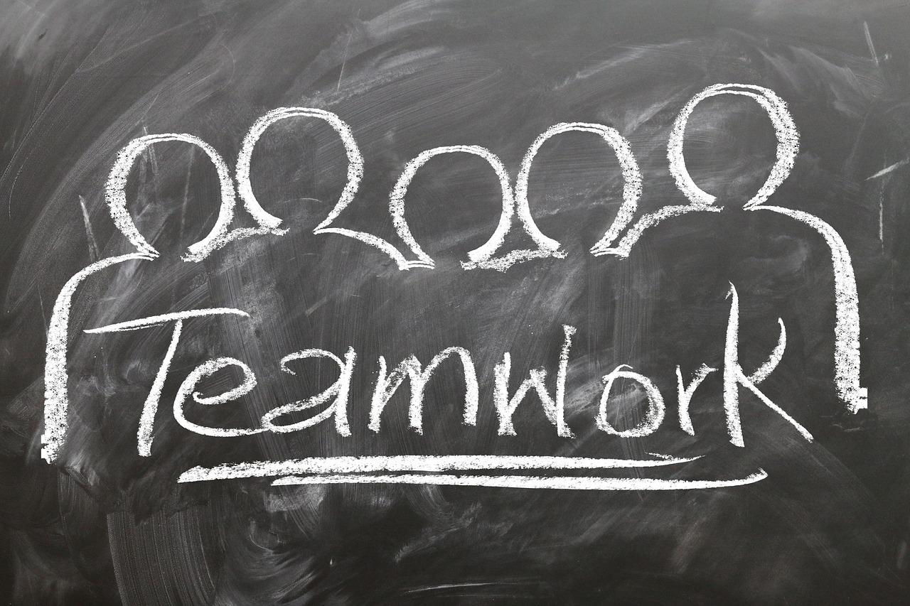 teamwork-2188038_1280.jpg
