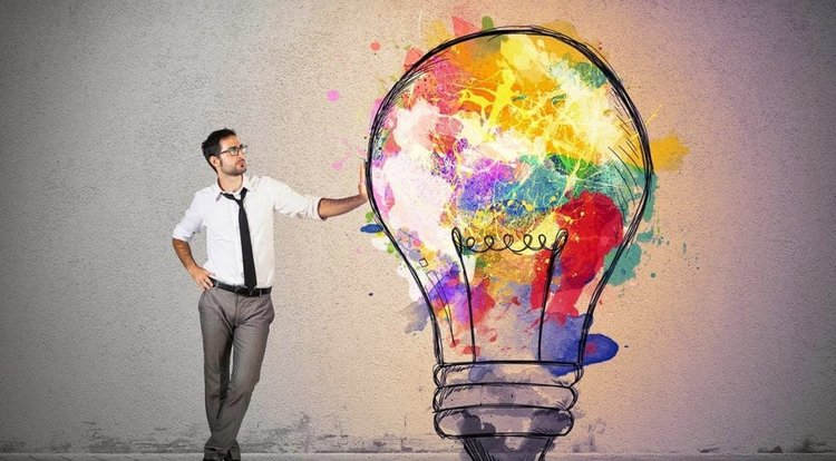creative-thinking-techniques-used-by-famous-presenters-man-lightbulb.jpg-1024x565.jpg