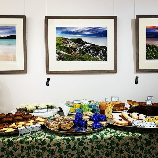 There's a huge amount of cake 🧁 here for our @macmillancancer afternoon of coffee and cake. It's there's for the eating until 4:30pm 🍰 What a fantastic community we have with so many donations! . @cyclefriendlykingussie @visitcairngorms