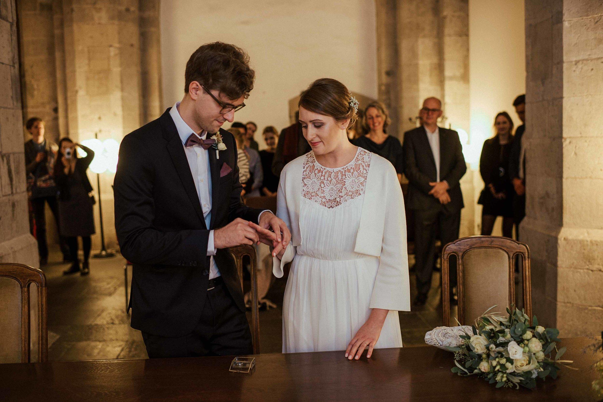 Standesamt Köln Altstadt Hochzeitsfotograf_ Oh Lucy Wedding Photography-6.jpg