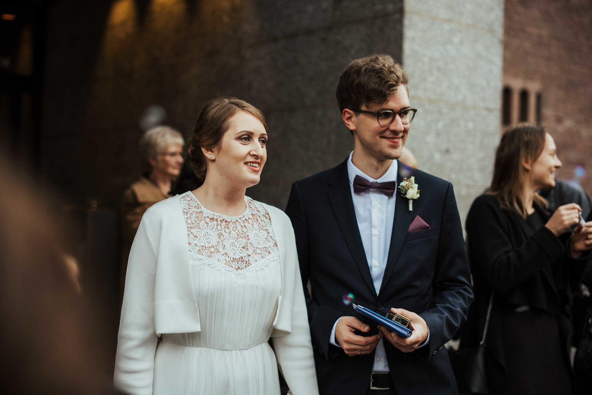 Standesamt Köln Altstadt Hochzeitsfotograf_ Oh Lucy Wedding Photography-10.jpg