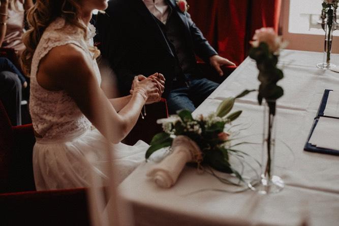 003_Hochzeitsfotograf Koenigswinter Elena und Michael_18.5.18 by Oh Lucy Wedding Photography-2-3_standesamt_köln_bonn_villa_wedding_hochzeitsfotos_hochzeitsfotograf.jpg