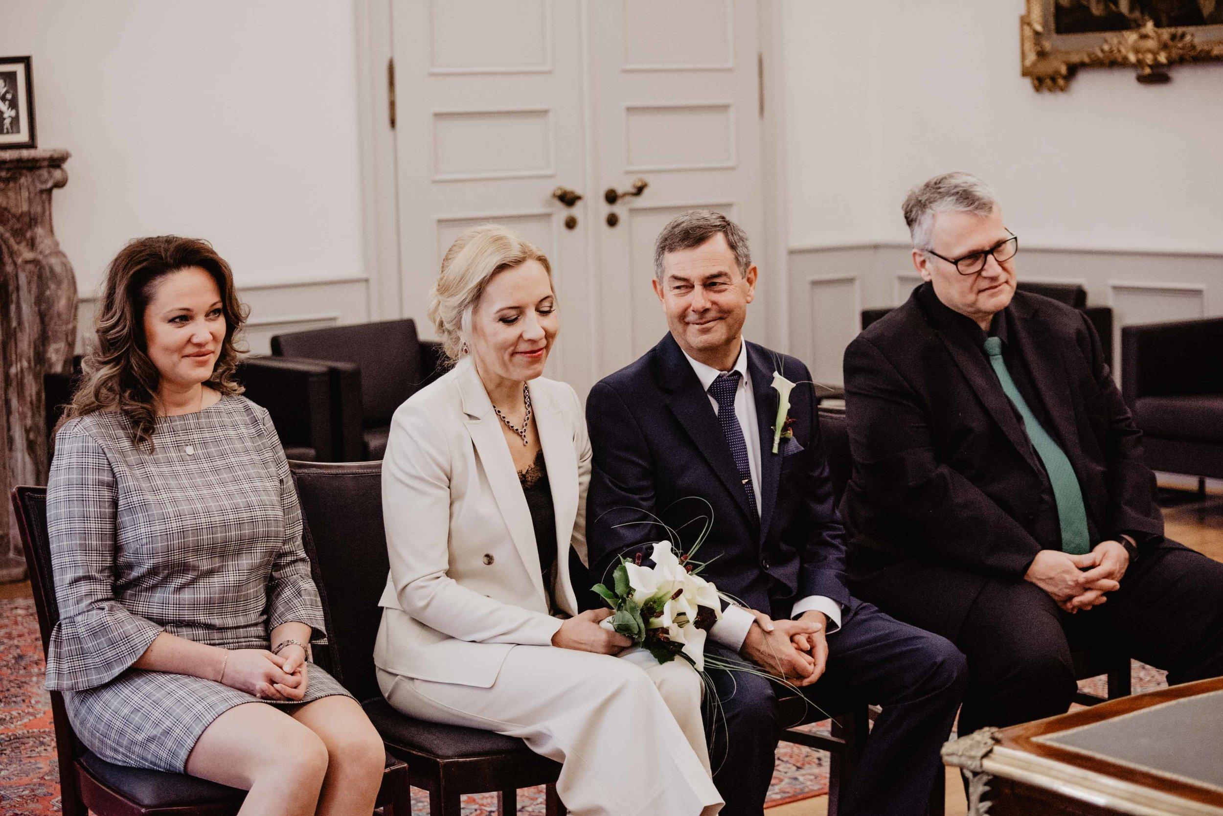 Hochzeit Standesamt Bonn by Lucy Wedding Photography-29.jpg