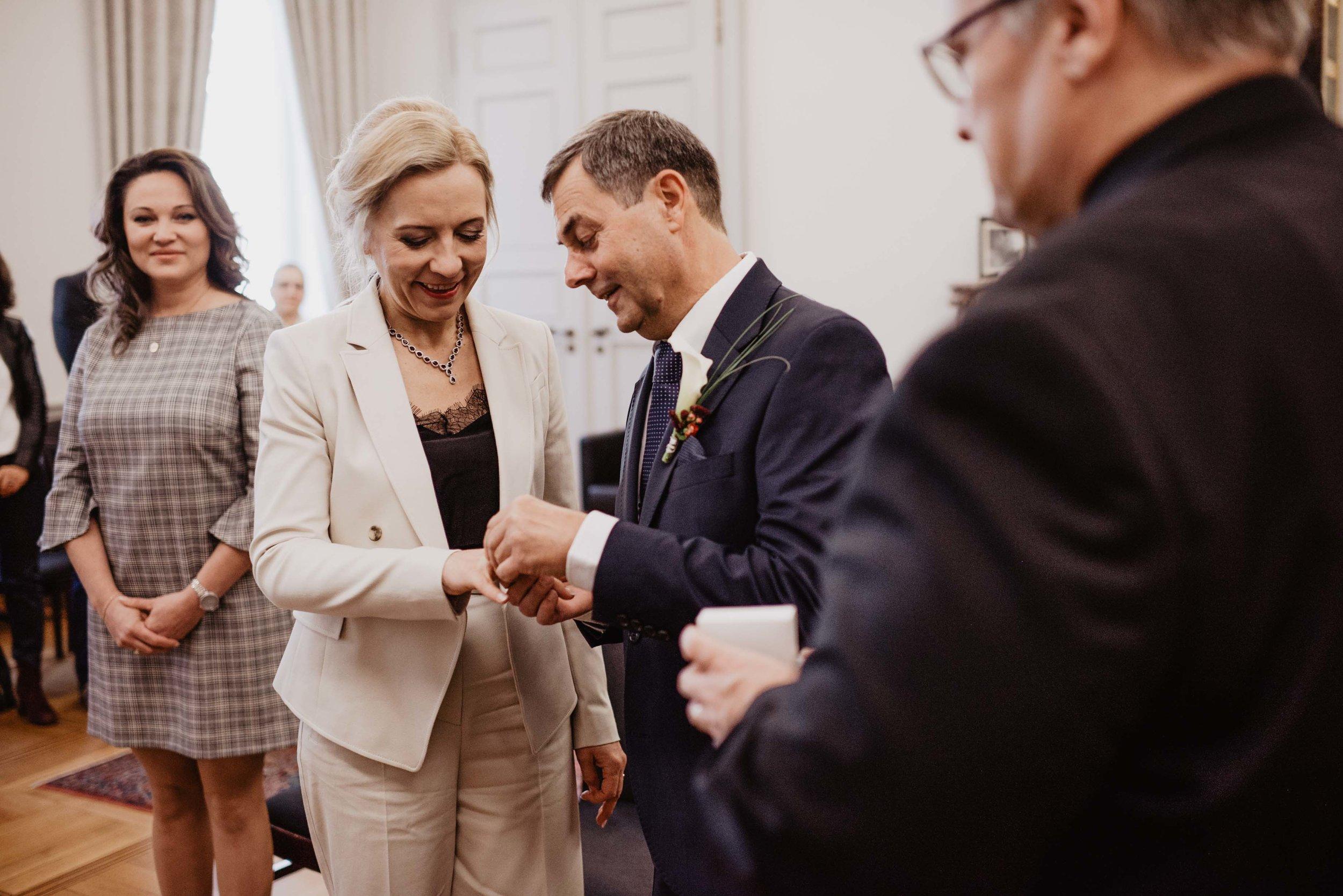 Hochzeit Standesamt Bonn by Lucy Wedding Photography-43.jpg